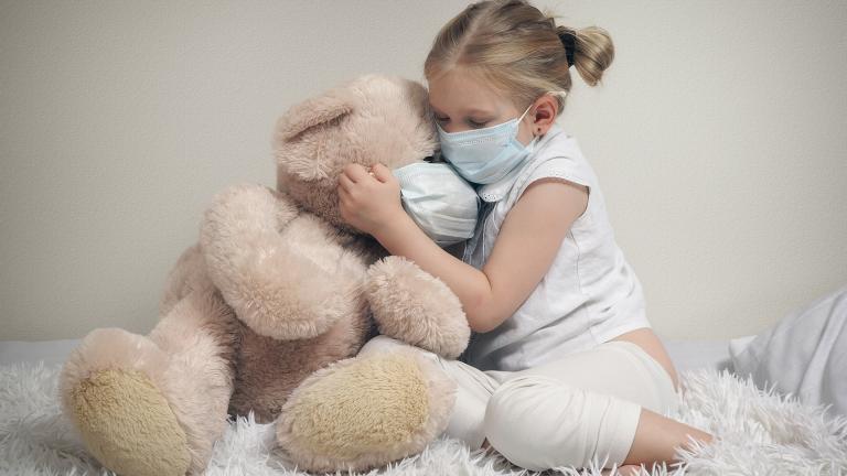 В пять раз выросла заболеваемость ковидом среди детей и подростков